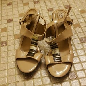 Sofft Shoes - Cream strappy  sandals
